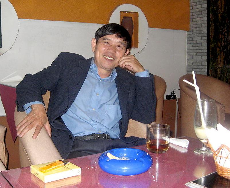 Nhà thơ, nhà phê bình Vương Cường